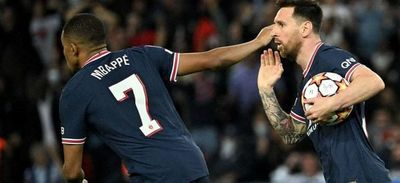 Un doblete de Messi permite al PSG remontar al Leipzig en Champions