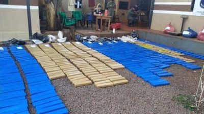 Incautan 468 kilos de marihuana prensada en Colonia Santa Clara