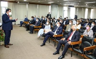 Autoridades presentan ventajas competitivas de Paraguay a inversionistas bolivianos