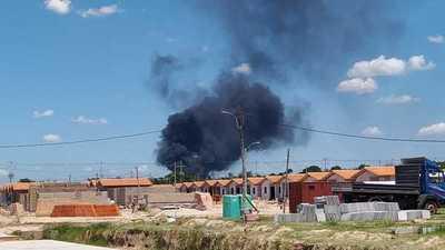 Controlan incendio en la Autopista Ñu Guasú