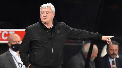 Newcastle anunció la salida de su entrenador
