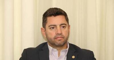 La Nación / El posicionamiento de Santiago Peña hace desistir a muchos de sus pretensiones presidenciales, afirman