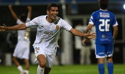 Cáceres reveló que le sorprendió haber sido llamado por Berizzo