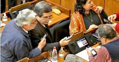 La Nación / Senadores de FG deben devolver salarios y rendir cuentas, reclama líder de ANR
