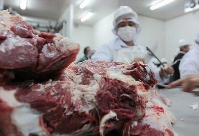 Plantean abaratar cortes populares de carne y descartan otra suba de combustibles