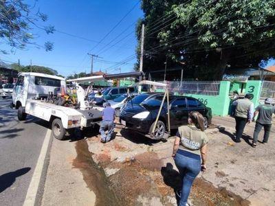 Despejan veredas utilizadas como estacionamientos privados en Asunción