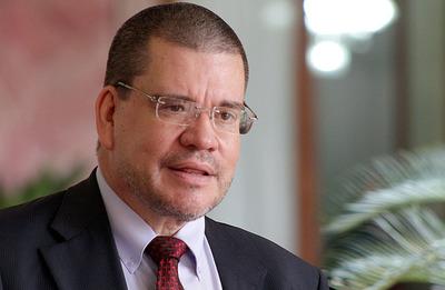 Velázquez se apresuró en lanzar su candidatura porque hay muchos problemas en el país, dice Barrios