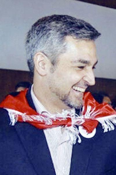 Abdo Benítez evalúa enfrentar a Cartes en la puja por la Presidencia de ANR