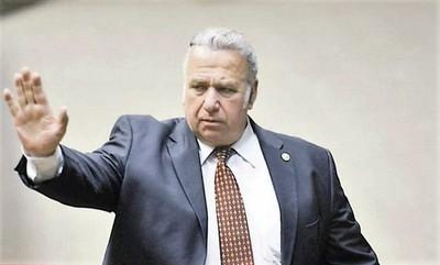 Ex senador Oscar González Daher fallece de un infarto