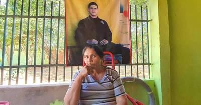 La Nación / Madre de Edelio exige investigar mensaje sobre los restos de su hijo
