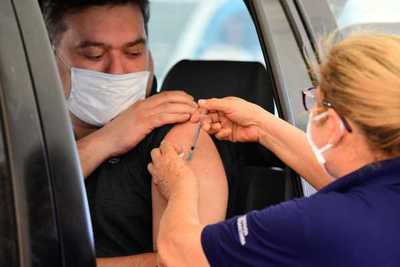 Continuará aplicación de tercera dosis anti-COVID