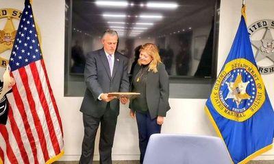 Representantes de la lucha contra las Drogas, el Crimen Organizado y Lavado de Dinero de EE.UU reciben a Sandra Quiñonez