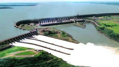 Temporal obligó a abrir compuertas de Itaipú