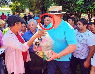 PREBENDARISMO del gobernador con PLANILLERO de la UNE